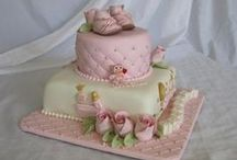 W Baby shower cakes