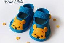 W Baby shoes fondant