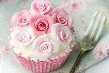 Cakes+Cupcakes / pink cakes