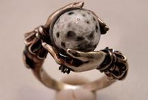 Sparkling treasuries / Amazing jewellery