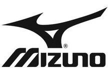 #Mizuno Кроссовки и бутсы / В интернет-магазине Professionalsport.ru представлена продукция Mizuno - японской корпорации, специализирующийся на производстве высокотехнологичных товаров для спорта.