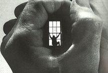 Дуэйн Майклс (Duane Michals) / Дуэйн Майклс (Duane Michals) — поэт, философ и фотограф-самоучка — умудрился совместить эти ипостаси в своей работе. Его фотографии — необычная смесь философии и поэзии.