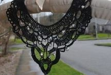 bracelets,collars and necklaces