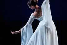 Elegance / Elegance means aura ... fluidity of movements ... a natural way of expressing yourself