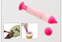 Pastry Tools / Pastry tools and cake decorating kits.