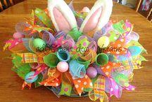 Easter bunny goes hop hop hop