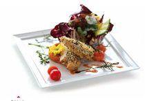 Menu Meridian Molo / Kuchnia morska typu seafood, ryby bałtyckie..oraz sałaty, kremy, buliony a także mięsa serwowane w niebanalny sposób