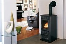 Black Wood Burning Stoves and Design Inspiration / Pictures of black wood burning stoves. Pictures of wood pellet stoves that compliment black as an interior design colour.