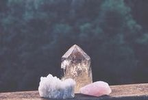 GEMOLOGY / Gems, crystals and jewelry