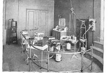 Old Medical Instruments / What would your life look like if you'd been born 100 years ago, or even earlier? And what would you have done if you were ill? I'm sure after looking at some of these pictures you'll be glad to live in this time.