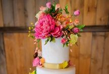 Sugar flower cakes / Your guests won't be able to tell that they're sugarflowers!