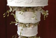 Chandelier cakes / Beautiful and spectacular cakes that defy gravity!