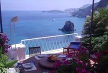 Ponza, Italy Beautiful Places and Vacation Rentals / Ponza, largest of the Italian Pontine Islands, attractive archipelago off the Italian coast between Rome and Naples.  Selection of beautiful Vacation rentals and accommodations in Ponza