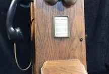 Telephones / www.CalAuctions.com