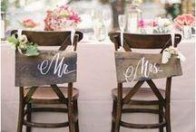 Ο Κος. & Η Κα. / Όμορφες ιδέες διακόσμησης για τις καρέκλες του νεόνυμφου ζεύγους. Γιορτάστε τους γαμήλιους δεσμούς μέχρι και στην τελευταία σας λεπτομέρεια!