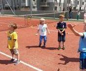 Nowa Italia - gry i zabawy dla dzieci / Gry i zabawy dla dzieci na osiedlu Nowa Italia organizowane przez Akademię Yellow Tenis, Warszawa Włochy, 16 czerwiec 2016 r.