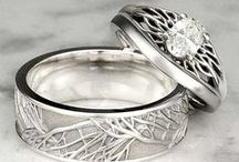One ring to rule / Wedding rings & bands
