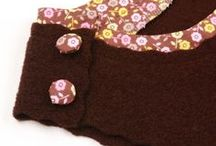 Trägerkleid Mia / hat eine mittelgroße schräg aufgesetzte Tasche auf der Vorderseite