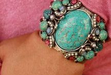 Aqua & Raspberry ADDICTED / Anything attractive in turquoise and hot pink colors