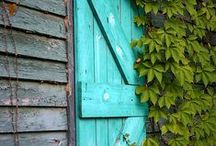 TURQUOISE windows and doors / TURKIS yndlingsfarge - favorite color :-)