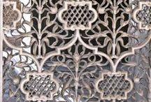 Beautiful doors / Beautiful doors; Prachtige deuren met sierlijke lijnen ter inspiratie voor stoffendesign en borduurontwerpen