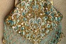 Handbags with embroidery / Handbags with embroidery en beads