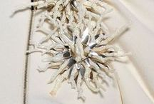 Broderie d'art, flowers / Broderie d'art, Flowers with beads, sequins, embroidery, made with needle of tambourhook.