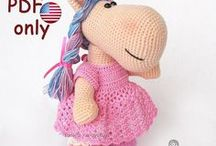Bella the Horse / Your projects made using our patterns The pattern is available for sale: ETSY: https://www.etsy.com/shop/jasminetoys RAVELRY: https://www.ravelry.com/patterns/sources/amigurumi-fairs-ravelry-store #amigurumi #crochet #crochetpattern #ilovecrochet #amigurumidoll #amigurumipattern #amigurumianimal #horse #crochetedanimal