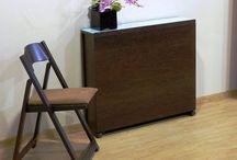 Mesas plegables / Mesas plegables y extensibles que ocupan muy poco sitio y una vez abiertas nos solucionan los problemas de espacio en el hogar.