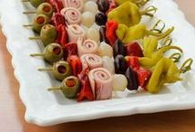 Foodies / Menus, recipes, desserts, appetizers...great food ideas that make us salivate!