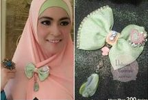 Hijab Accessories / Lovely handmade hijab accessories from Delhusna Handmade, you can find many kind of beautiful handmade such as brooches, earring brooch, ring, necklace, headpiece, headband and bridal headpiece too :)