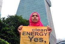 Kartini Pejuang Lingkungan / Saat lampau, perempuan dibatasi dalam segala ruang. Namun kini perempuan bisa mengambil peran penting dalam setiap pergerakkan.  Inilah gambaran Kartini yang Greenpeace temui sepanjang perjalanan kampanye penyelamatan lingkungan.  Perempuan-perempuan yang berani bergerak, berpendapat, berjuang untuk menjaga lingkungan kita agar tetap lestari.  Selamat hari Kartini perempuan-perempuan Indonesia! Terus berkarya dan bersuara untuk Bumi.