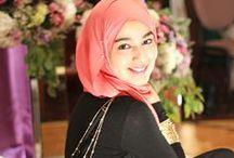 Muslim Entrepreneurs / Showcasing Muslim Entrepreneurs
