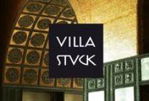 Villa Stuck / Ende des 19. Jahrhunderts als »Gesamtkunstwerk« erbaut, ist die Villa Franz von Stucks in München heute ein Museum, das sich durch ein Programm auszeichnet, das Jugendstil mit zeitgenössischer Kunst kombiniert. Programmkonzept und Kommunikation greifen diese Konstellation auf und übersetzen den fortschrittlichen Geist von Stucks in die Jetztzeit. Ein klares, selektives Kommunikationskonzept sorgt für maximale Präsenz in der Öffentlichkeit.