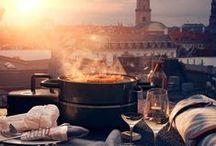Grill + inspiration / Foråret og sommeren indbyder til lange aftener på terrassen med grillmad og hygge, og her skal udstyret selvfølgelig være i orden.