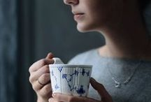 Kaffe og te / Der findes mange veje til en rigtig god kop kaffe. For kaffe er kunst, og der er mange måder at skabe og server  kaffen på.