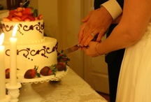 Wedding on Lake Hamilton :: Cake Creations / These cakes are the icing to a stress-free Lookout Point wedding, beautiful and tasty. Plan your wedding on Lake Hamilton.