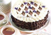 Kihagyhatatlan torták / Finomabbnál finomabb torták a magyar és a nemzetközi konyhák kínálatából