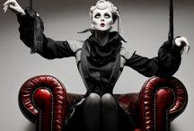 Cirque des horreurs / creepy | disturbed | confused
