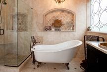 Bathrooms / by Noelle Hartje