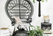 Déco Noir & Blanc - sans filtre IG / La déco en noir et blanc. Des appartements monogramme chaleureux au style scandinave en noir et blanc. Le noir en décoration peut paraître effrayant. Pourtant, il apportera un touche masculine et beaucoup d'élégance à votre intérieur.