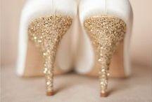 Un mariage doré / Idées déco et DIY pour un mariage doré. Faire part or, invitations dorées, tenue festives pour le jour J