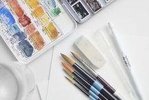 Farben   Pinsel   Leinwände / Künstlerbedarf das sind längst nicht nur Pinsel, Keilrahmen und Farben. Wer selbst malt, zeichnet oder in einer anderen Art und Weise künstlerisch tätig ist, weiß, dass der Künstlerzubehör eine umfangreiche und interessante Auswahl an Produkten aus allen Bereichen bietet. Schau vorbei: www.kunstpark.de