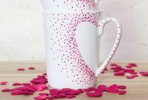 Feste Feiern... Valentinstag / Wir wissen alle, dass der Valentistag DER Tag der Romantiker ist. Deine Geschenkesuche hat hier ein Ende. Tolle DIYs und Ideen rund um den romantischsten Tag im Jahr.