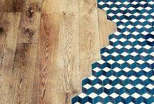 Sols - Sous nos pieds / Parquet à incrustation, carreau de ciment hexagonal, sol en liège imitation bois : les sols en décoration intérieure se réinventent pour plus de confort, de pragmatisme mais surtout d'esthétisme