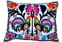 Poduszki / Pillows / Poduszki dekoracyjne / Decorative pillows