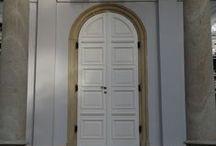 kunság classic bejárati ajtók / prémium fa nyílászárók klasszikus stílusban