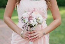 spring wedding inspiration / pretty pastels, lots of green, and big beautiful blooms. everything you need to plan a gorgeous spring wedding!