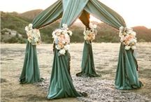 green weddings / Pantone says that emerald green is the color for 2013, and who are we to argue! Loving all these brilliant green bridesmaids dresses and wedding ideas.