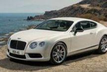 Bentley / Auto di lusso, look sportivo e segmento premium.